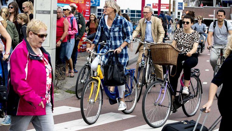 Verkeersdrukte in Amsterdam. Beeld anp