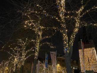 Kortrijk steekt record van 1,3 miljoen kerstlampjes aan