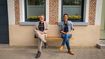 """Mechelen biedt gratis gevelbanken en picknicktafels aan om sociale cohesie te versterken: """"Spontane ontmoetingen zijn goud waard"""""""