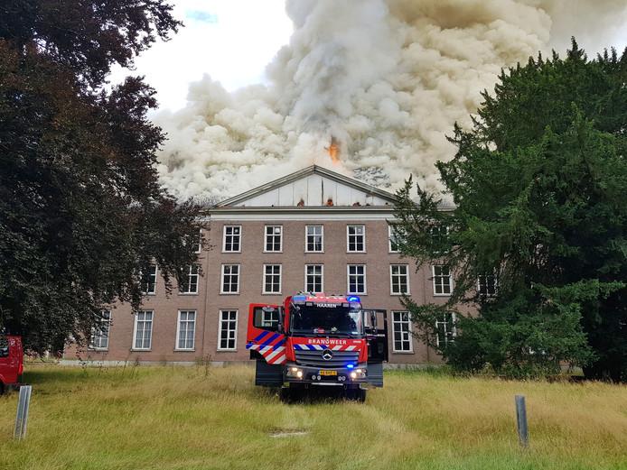 Grote brand op landgoed Haarendael in Haaren.