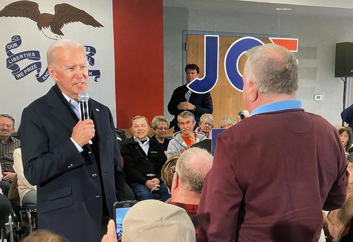 Joe Biden face à l'homme qui l'a accusé d'être trop vieux pour se présenter à l'élection présidentielle américaine.