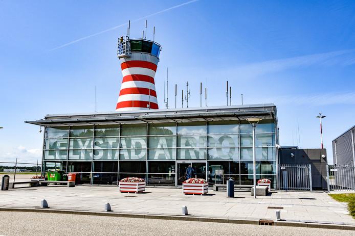 Het luchthavengebouw op Lelystad Airport.