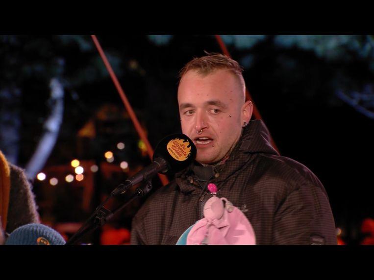 Tim D'Heedene kondigde op 22 december live op StuBru aan dat hij 25.000 euro ingezameld had voor het Steunpunt Kinderepilepsie.