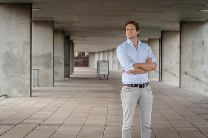 a68da051910 Vincent Karremans is fractievoorzitter van de VVD in de Rotterdamse  gemeenteraad. Zonder enige politieke ervaring