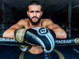 Wereldkampioen kickboksen Ilias Ennahachi (23) helpt Utrechtse jongens