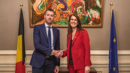 Premier-verzamelaar op bezoek bij Sophie Wilmès
