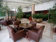 Rumoerige Pool (30) gaat flink tekeer in hotel in Waalwijk