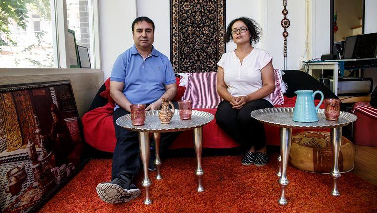 Said Khottour (links) en Ikram Chiddi. 'Leider Nasser Zafzafi is na zijn arrestatie mishandeld en gefolterd' Beeld Carly Wollaert