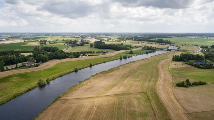 Om goed te kunnen zien hoe de dijken erbij liggen, liet het waterschap een drone over de dijken van de Overijsselse Vecht vliegen