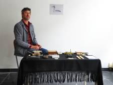 Het verhaal van een schuldig land: Broeder Dieleman zingt het drama van 't Groot Eiland