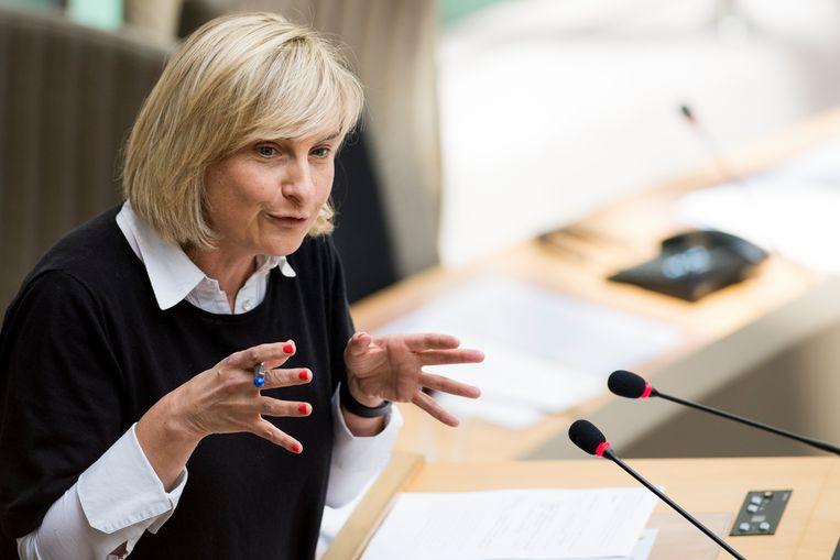 Vlaams minister van Onderwijs Hilde Crevits tijdens de parlementaire zitting vandaag.