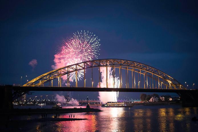 De Zomerfeesten gingen zoals altijd groots van start met vuurwerk.