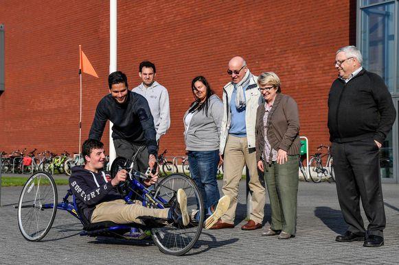 Op de G-wielersportdag zul je onder andere kunnen kennismaken met een handbike.