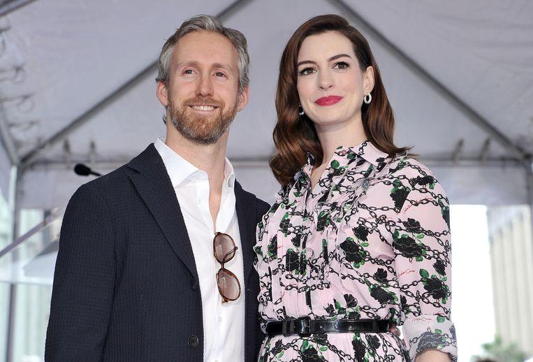 Anne Hathaway en haar echtgenoot Adam Shulman.