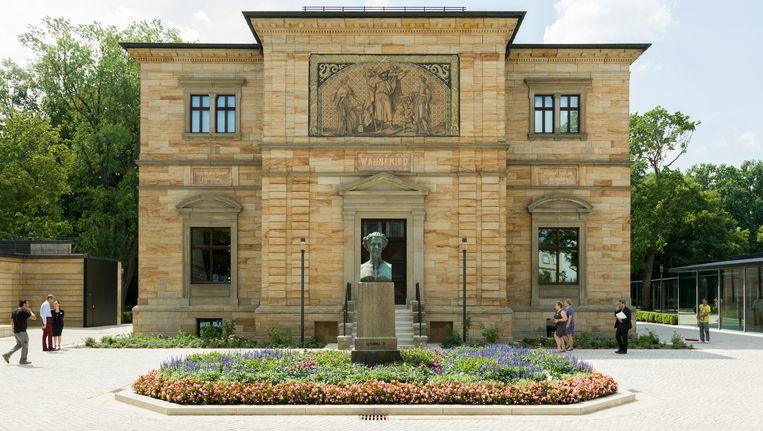 Museum-Richard-Wagner in Bayreuth is heropend. Rechts op de grote foto is de glazen nieuwbouw te zien. Beeld Ivo van der Bent