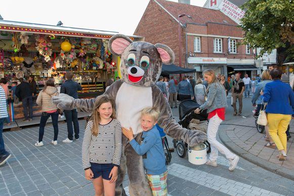 Missy Muis is een vaste waarde op de avondmarkt in Aalter. Hopelijk kan ze volgend jaar weer kinderen blij maken.