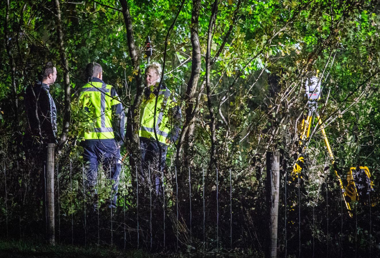 Zoektocht naar vermiste Mona uit Delft gaat verder in bos De Buitenzomerlanden in Heinenoord.