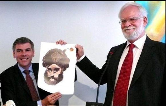 Filip Dewinter kreeg de Mohammedcartoon, die vanaf vrijdag op de tentoonstelling te zien zal zijn, zelf uit handen van de Deense cartoonist Kurt Westergaard.