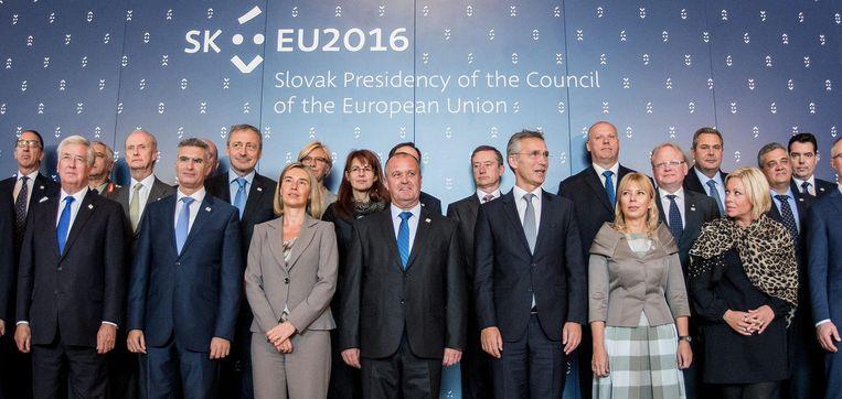 De 27 deelnemers van de informele EU top in Bratislava. Beeld epa