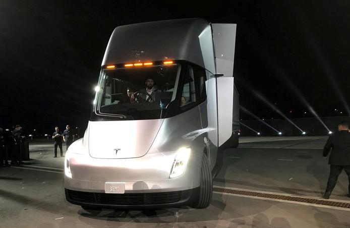 Prototype van de Semi truck van Tesla, een vrachtauto die twee jaar geleden werd gepresenteerd