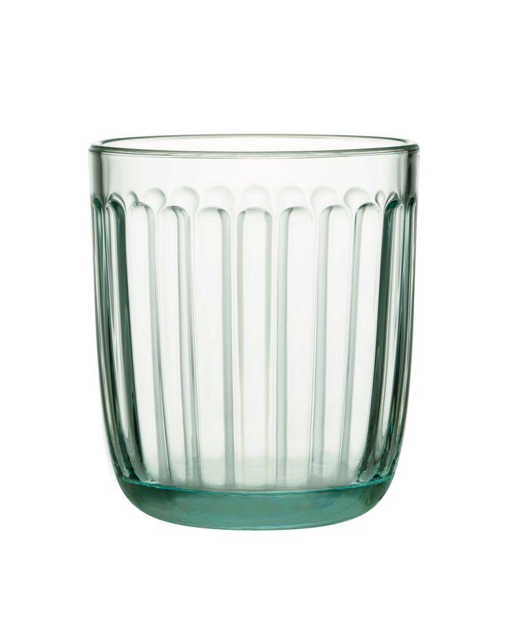 Iittala maakte van het restglas van Aalto-vazen en –schalen een gelimiteerde oplage 'Raami'-glazen, die wegens grote populariteit momenteel helaas uitverkocht zijn. Meer producten van restglas zitten in de pijplijn. Beeld Iitala