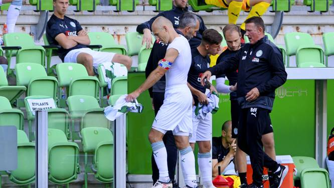 Grote rentree Arjen Robben eindigt al snel in mineur: aanvaller na halfuur gekwetst naar kant