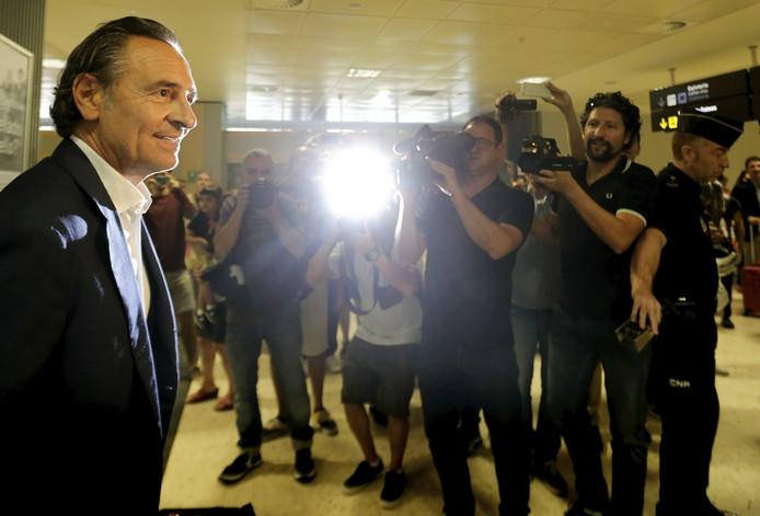 Cesare Prandelli vandaag op het vliegveld van Valencia.