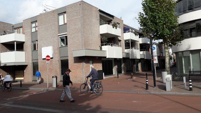 Het hoekpand in Oss waar de fietsenwinkel vijf maanden in zat, staat alweer leeg.