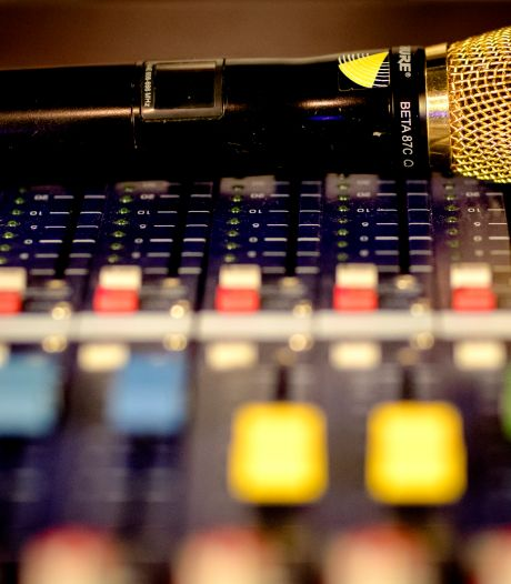 Geheime dienst laat Nederlanders meeluisteren in nieuwe podcast