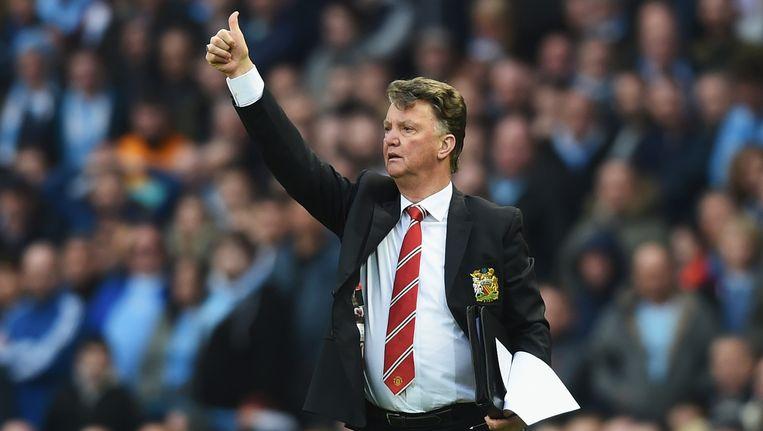 Louis van Gaal tijdens de wedstrijd van Manchester City tegen Manchester United. Beeld getty