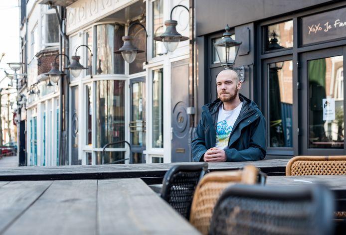 Rick Temminck (22) woont tegenover de drukste cafés van Nijmegen.