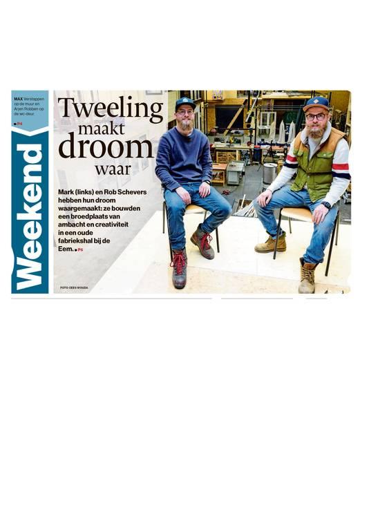 Mark en zijn vader Henk Schevers in de fabriek, waar creatieve ondernemers onderdak hebben gevonden.