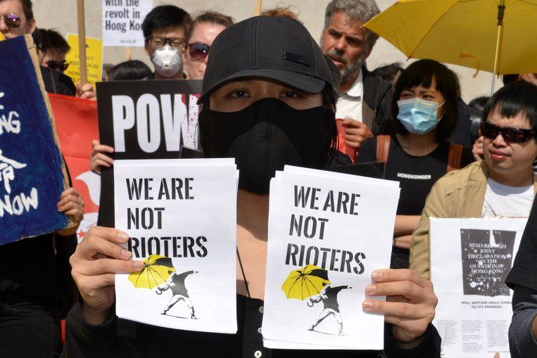 Een groep Hongkongers demonstreerde vandaag aan het Londense Trafalgar Square.