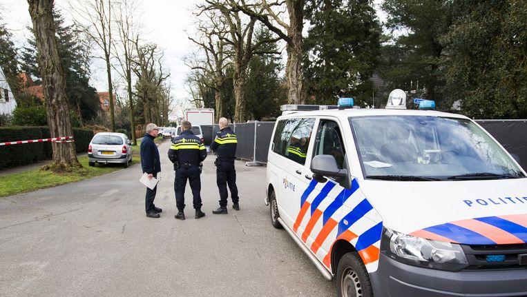 Politie verricht onderzoek bij de villa van Koen Everink in Bilthoven. Beeld anp