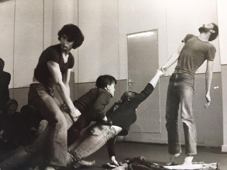 Opening theaterseizoen Stadsgehoorzaal Kampen, 1979/1980. Vanaf links: Ruud Mooij, Tjitske Stoer, Elma van der Werf, Paul R. Kooij. Beeld Fotoalbum van Sylvia Weening en Paul R. Kooij