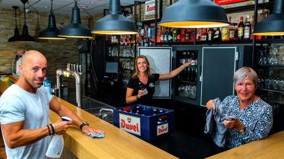 """Cafébazin Line maakt zich op voor tweede opening in vier maanden tijd: """"Vroeger kon je op café alles even vergeten. Dat zal nu niet meer lukken"""""""