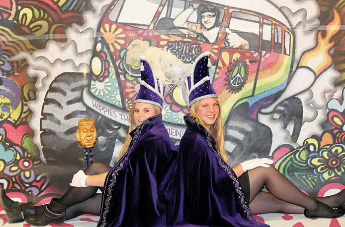 Prinses Dorien Bent (links) en haar adjudante Marilke Reith.