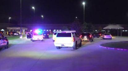 Vrouwelijke schutter doodt manager en komt ook zelf om in Texas
