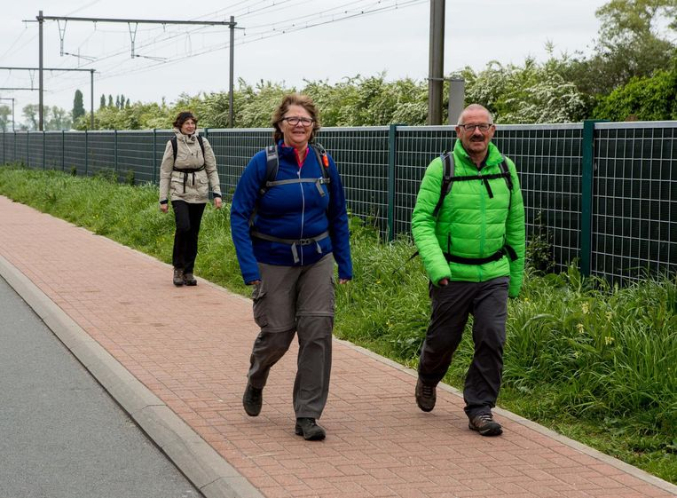 Enkele stappers arriveren in Lissewege.
