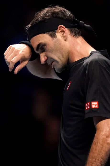 Opéré du genou, Federer sera écarté des courts plusieurs mois