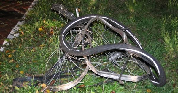 Vandalen leggen fiets op spoor en zorgen voor ongeluk met intercity bij Rijssen.