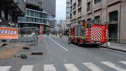 Ramen van oud gebouw donderen naar beneden: Bisschopsstraat in Brussel afgesloten