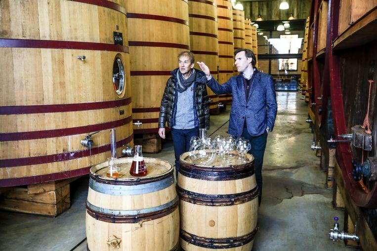Ondanks de coronacrisis blijft brouwerij De Brabandere in Bavikhove voorlopig nog produceren. Of dat blijft duren, weten we pas eind deze week.