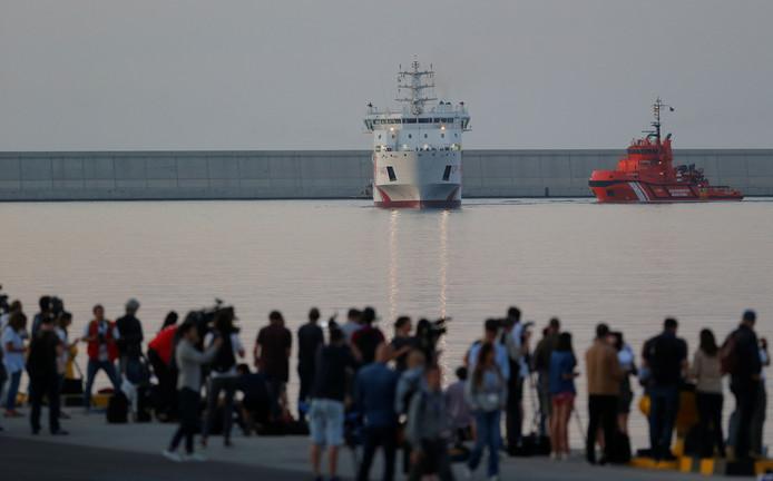 Reddingsschip Dattilo komt aan in Valencia.