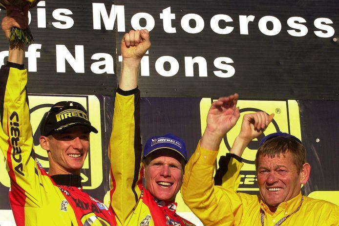 Joel Robert met Stefan Everts en Joel Smets in 2003.
