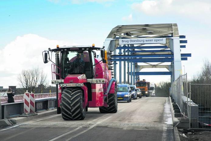 Eind februari ging de brug open na wekenlang afgesloten te zijn geweest. Nu wordt de brug alleen twee weekenden gesloten.