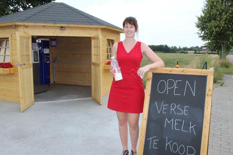 De automaat staat in een leuk tuinhuisje, aan de straatkant in de Hoekestraat in Knesselare.
