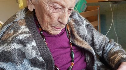 En of de oproep gehoor vindt: daar zijn de eerste kaartjes voor 106-jarige Elza!