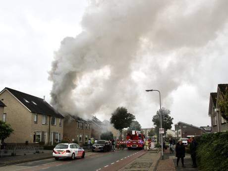 Rijssenaar rent zijn brandende woning binnen: 'Wilde het met eigen ogen zien'