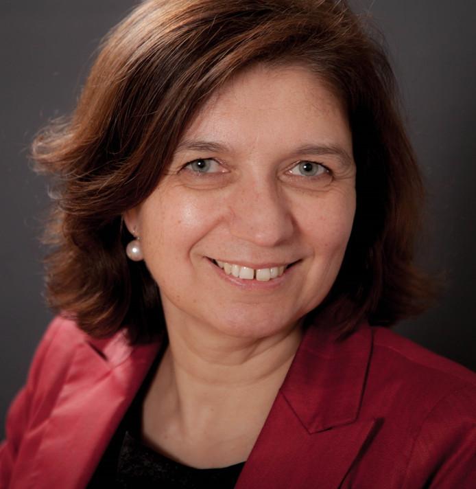 Annette van der Werf-Bramer beoogd gemeentesecretaris fusiegemeente Altena